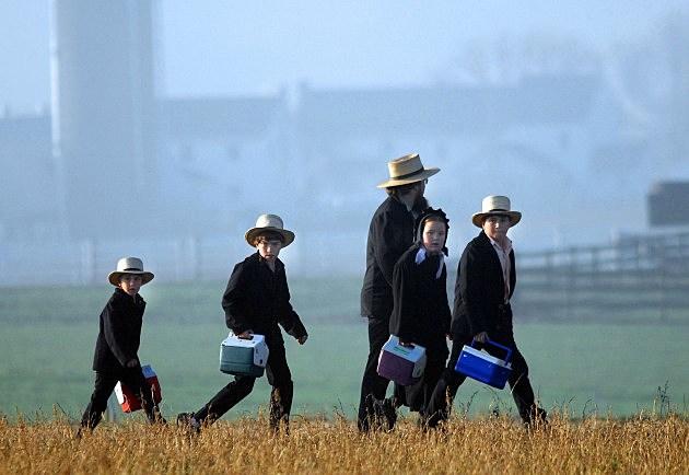 Amish Children Get New Schoolhouse