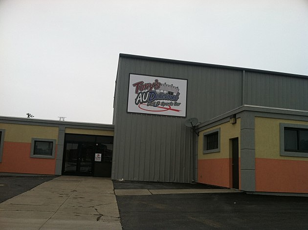 Tony's AUDelicious Deli and Sports Bar Utica