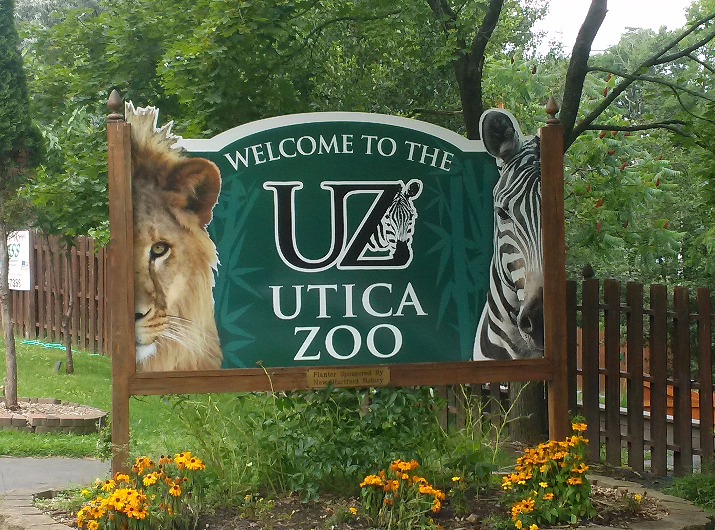 The Utica Zoo Sign