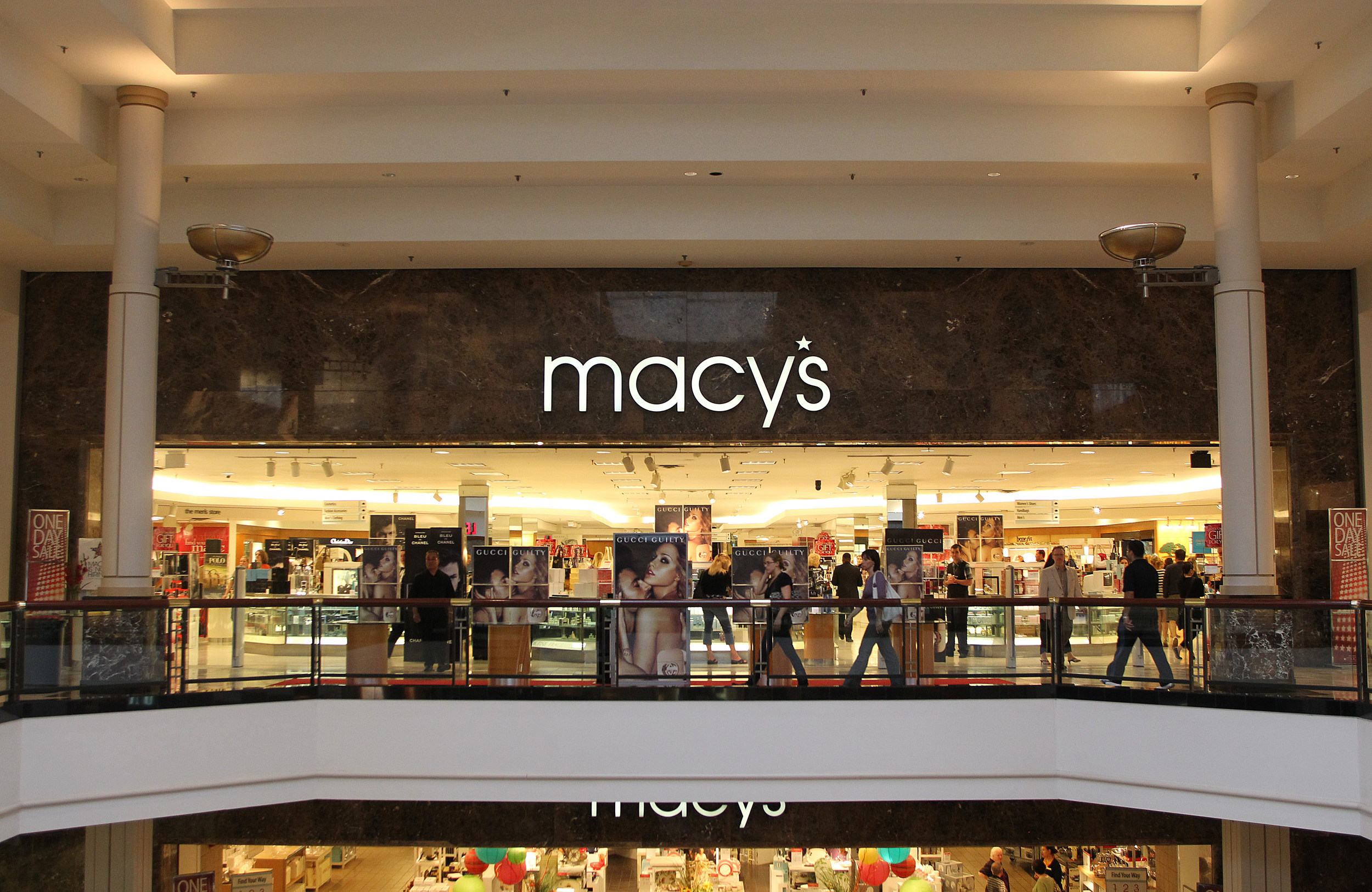 Is Macy\'s In Sangertown Square Mall New Hartford, NY Closing?