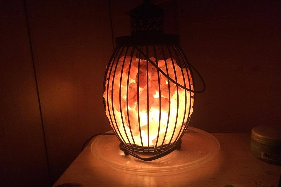 Himalayan Salt Lamps: Do They Really Have All The Health Benefits They  Claim To Have?