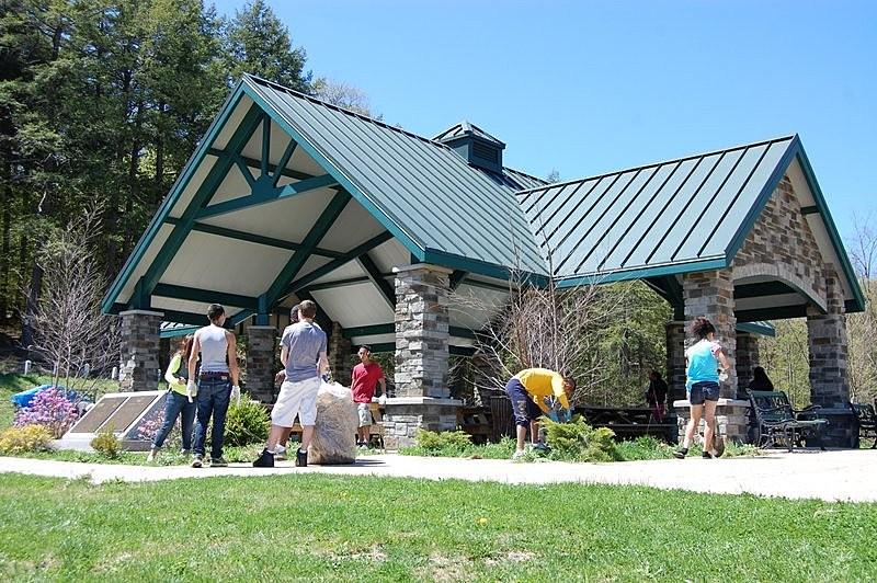 Newest pavilion in Utica's South Woods Park